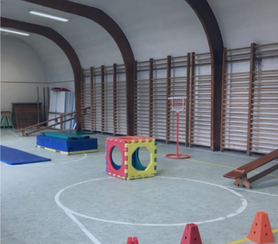 La salle de gymnastique de l'école maternelle et primaire de Mont St Guibert