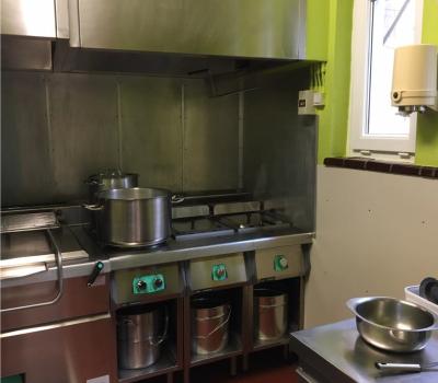 A l'école Le Bon Départ, les repas sont sains et préparés dans la cuisine sur place